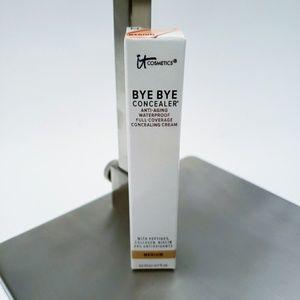 It Cosmetics | Bye Bye Concealer in Medium